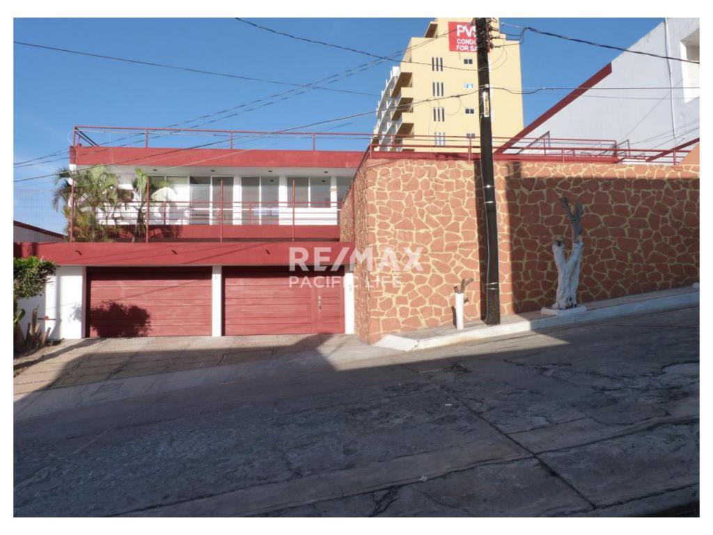 HOUSE FOR SALE IN BALCONES DE LOMA LINDA
