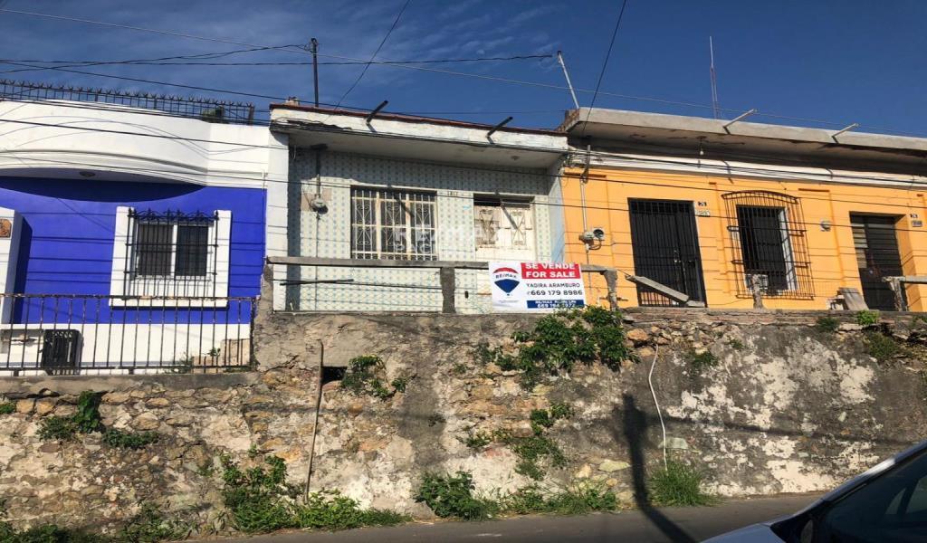 HOUSE FOR SALE AT EL CENTRO OF MAZATLAN