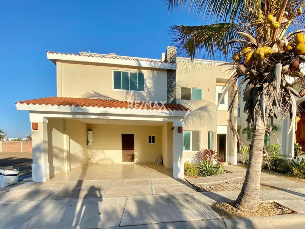 House for Sale at Marina Real