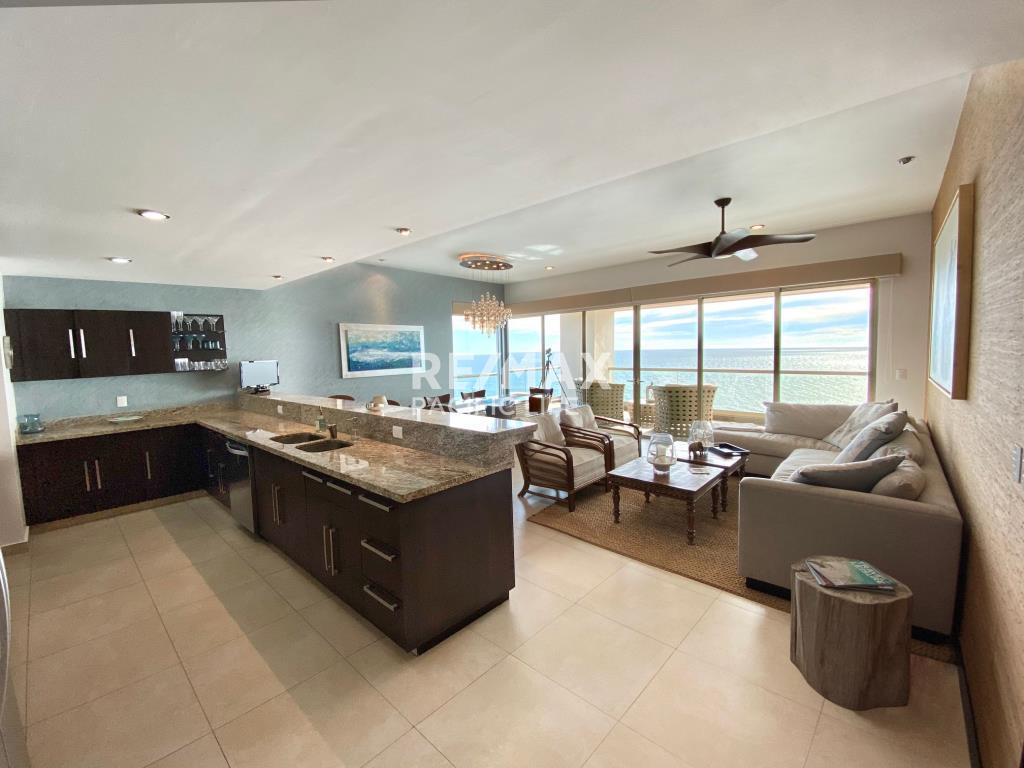 Condominio en venta en la Playa en ESCONDIDO TOWERS